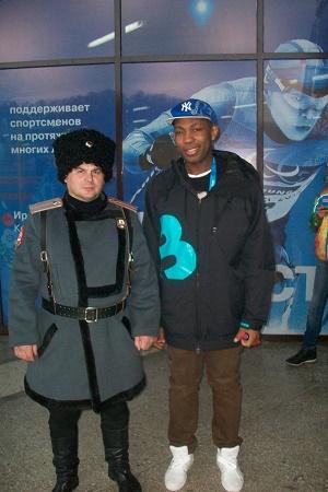 Олимпийский Волонтёр с казаком